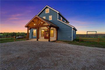 Gholson, Texas Blue Barndominium