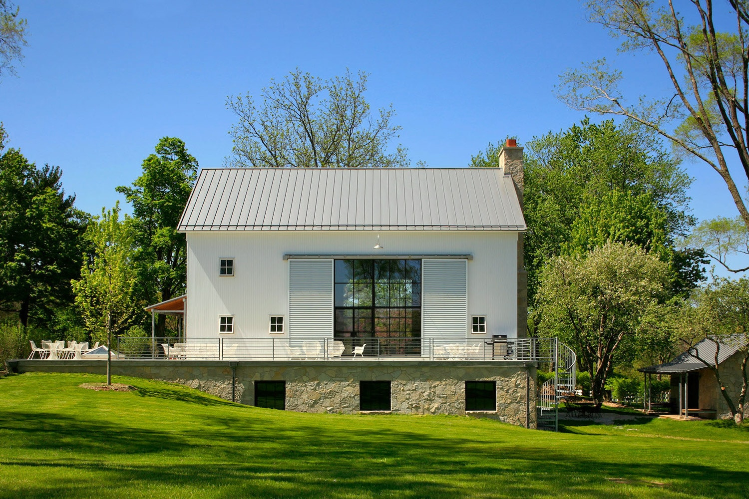 Michigan Barn To House Conversion by NorthWorks Architects